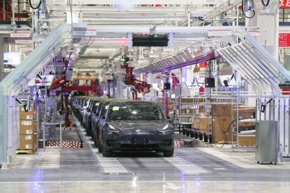 Tesla secures $565 mln loan for Shanghai factory